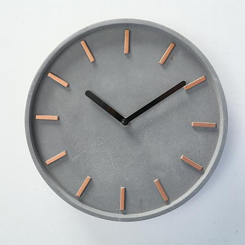 Graue Beton Uhr
