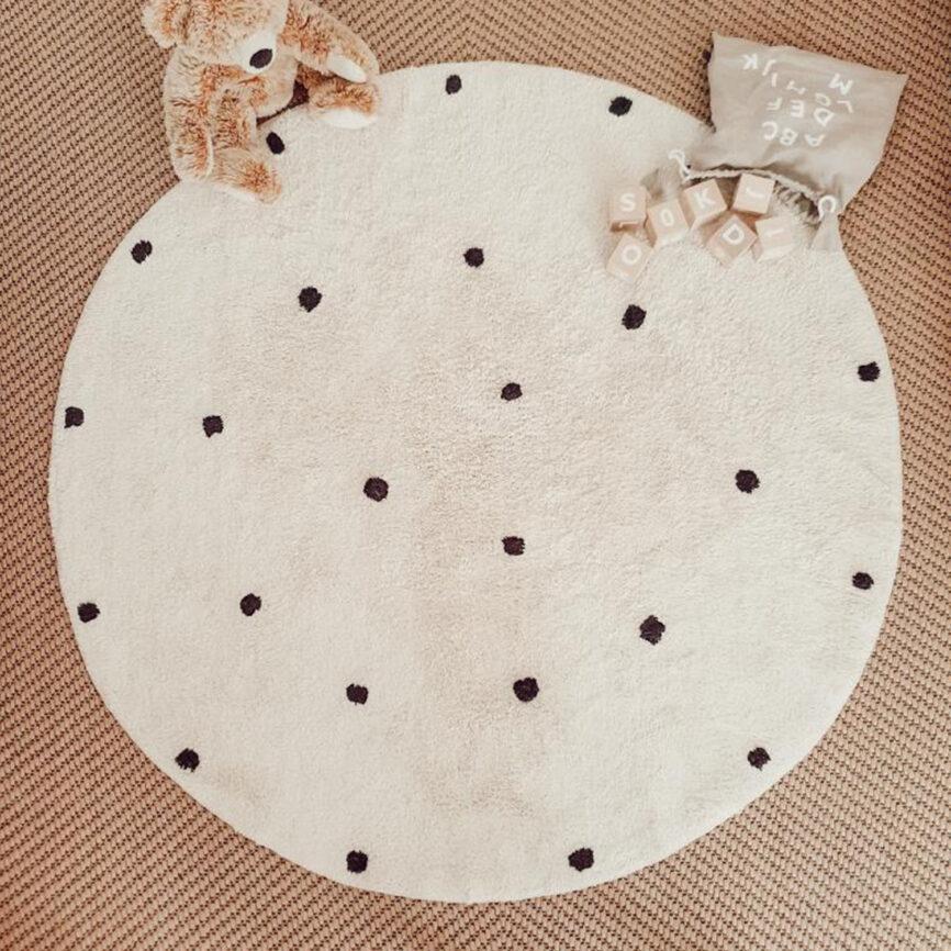 Eulenschnitt Teppich rund mit punkten