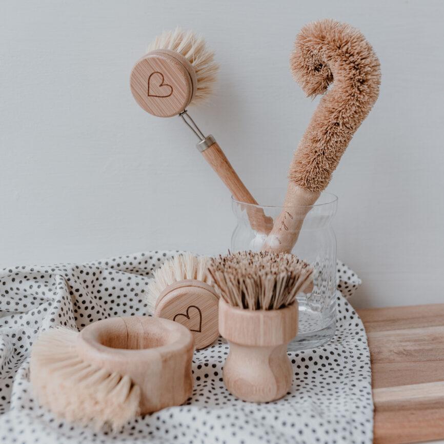 Eulenschnitt Spülbürsten aus Holz im 5er Set