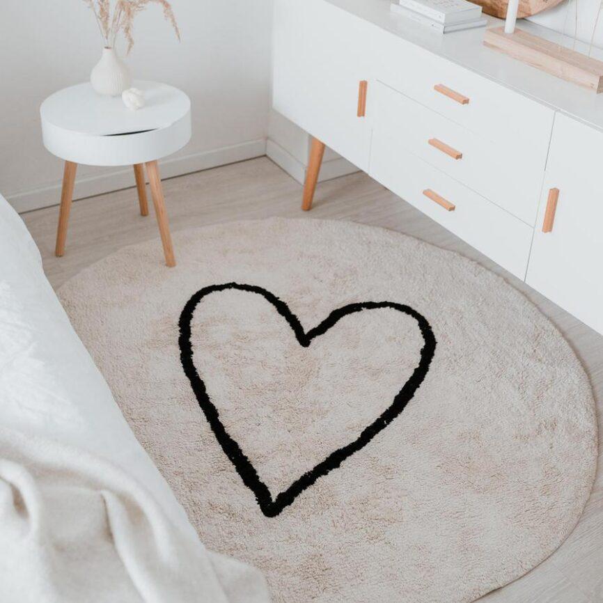 Eulenschnitt Teppich mit Herz
